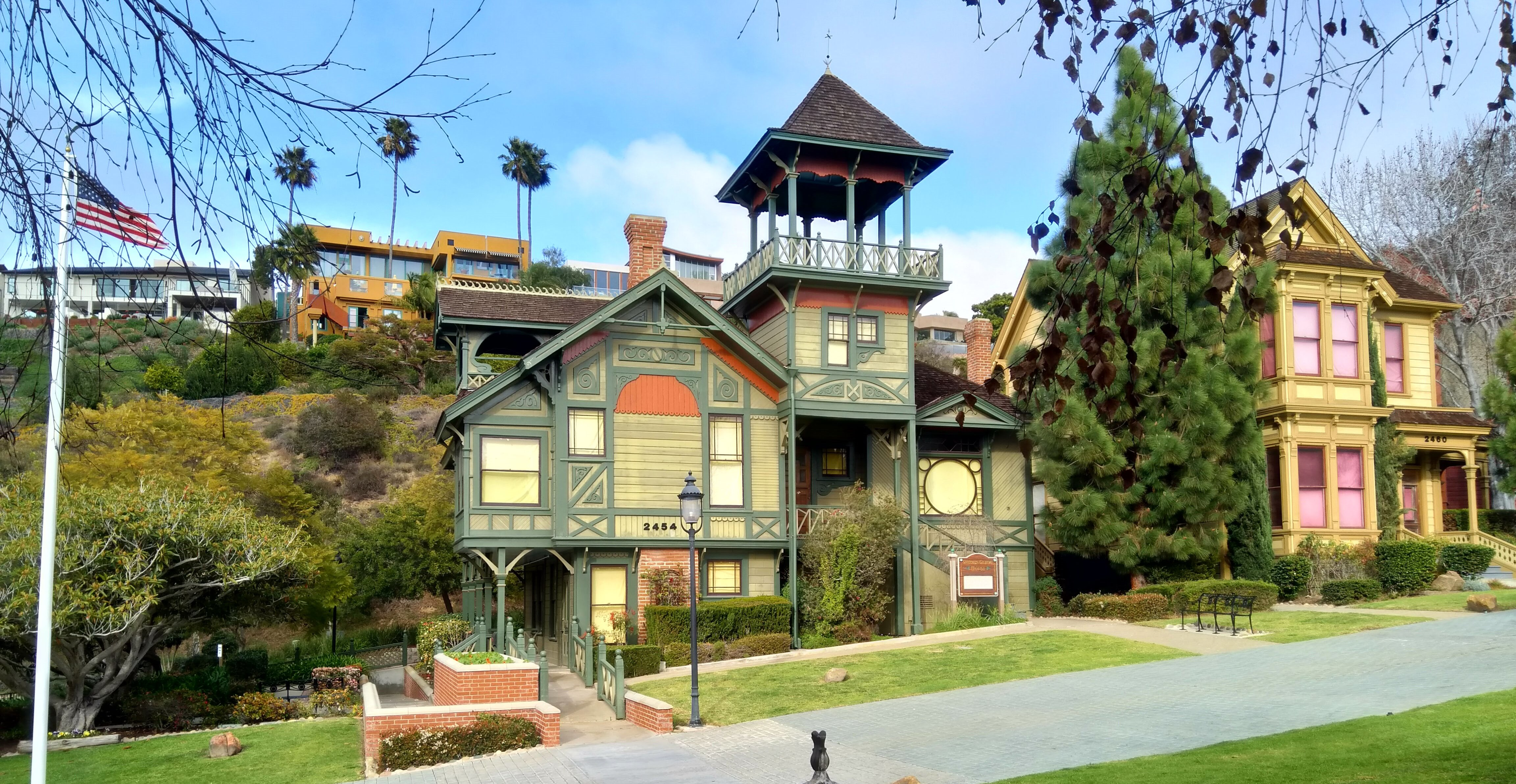 Wooden homes in San Diego Heritage Park, USA | AGACAD