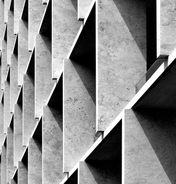 Photo of precast concrete structure courtesty of RicardoGomez Angel on Unsplash