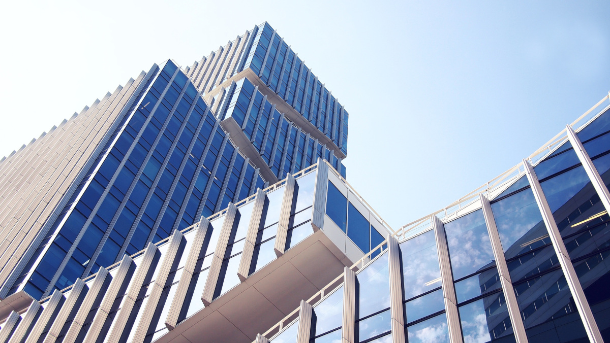 building facade, photo courtesy of Daria Nepriakhina via Pixabay